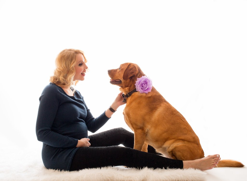 Chicago_maternity_session_photo_dog
